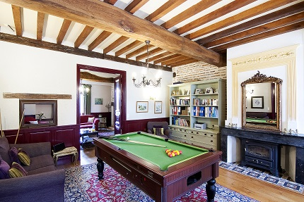 Pool table in the chateau games room